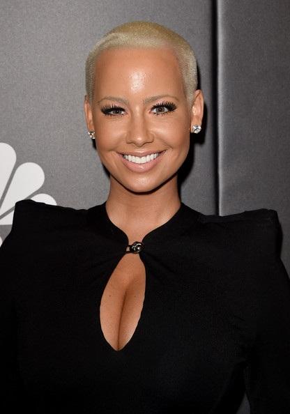 Người đẹp Mỹ thường xuyên xuất hiện trong các sự kiện tại Hollywood những ngày gần đây.