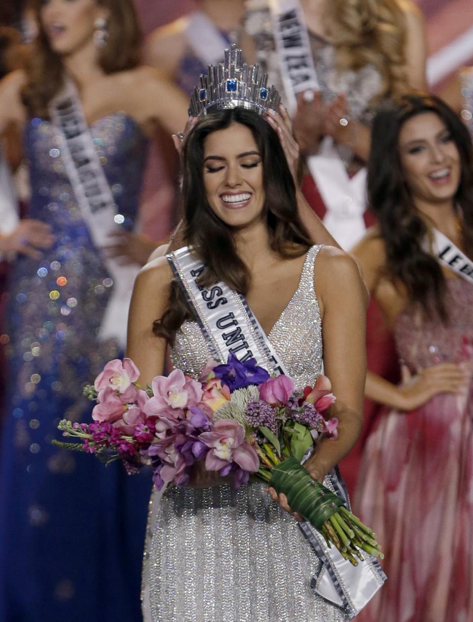 Tân hoa hậu hoàn vũ Paulina Vega