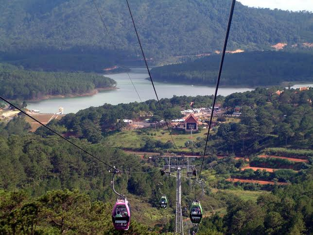 """Hồ Tuyền Lâm - """"viên ngọc bích"""" của du lịch Dalat"""