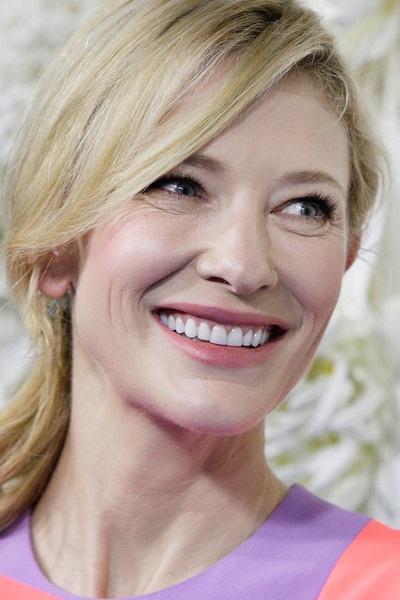 Erin Holland và Cate Blanchett