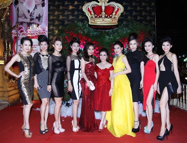 """Doanh nhân và """"sao"""" Việt khoe sắc tại Angel Night Party 2015"""