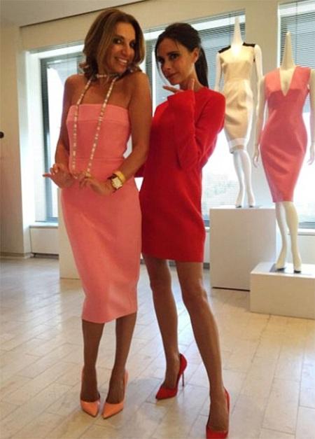 Vic mặc mẫu váy do cô thiết kế có giá gần 2000 đô la