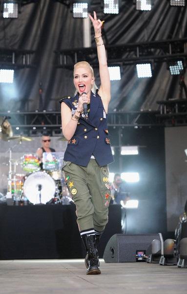 Gwen Stefani trẻ trung, cá tính trên sân khấu