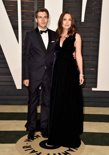 Nữ diễn viên xinh đẹp và tài năng được chồng hộ tống dự sự kiện liên tục trong thời gian qua