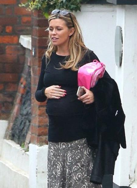 Bà bầu xinh đẹp này sẽ sinh con vào tháng 6 tới.