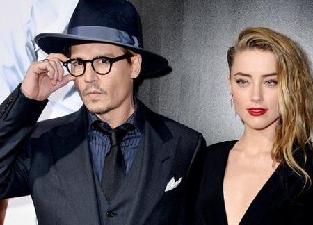 Johnny Depp và vợ trẻ đẹp.