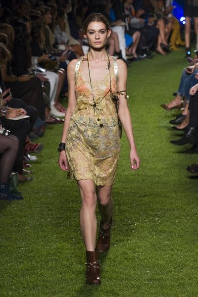 BST của Blugirl tại tuần lễ thời trang Milan Spring 2015