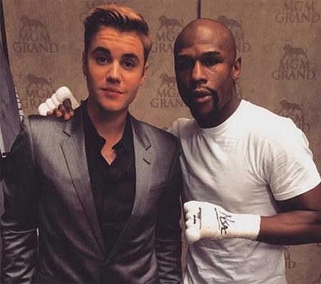 Justin Bieber tới cổ vũ bạn thân Mayweather