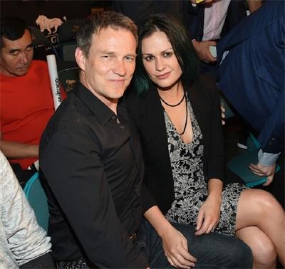 Ngôi sao từng giành giải Oscar Anna Paquin và chồng Stephen Moyer.