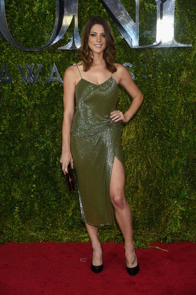 Ashley Greene trong chiếc váy của Jason Wu