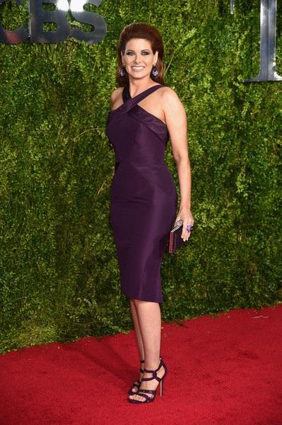Debra Messing trong chiếc váy của Zac Posen