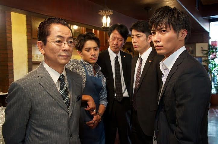 Để điều trai, Kai và thanh tra kì cựu Sugishita phải đối mặt nhiều thế lực bí mật