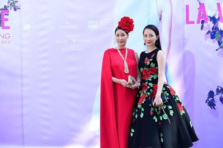 Hai người đẹp Việt đọ dáng vóc.