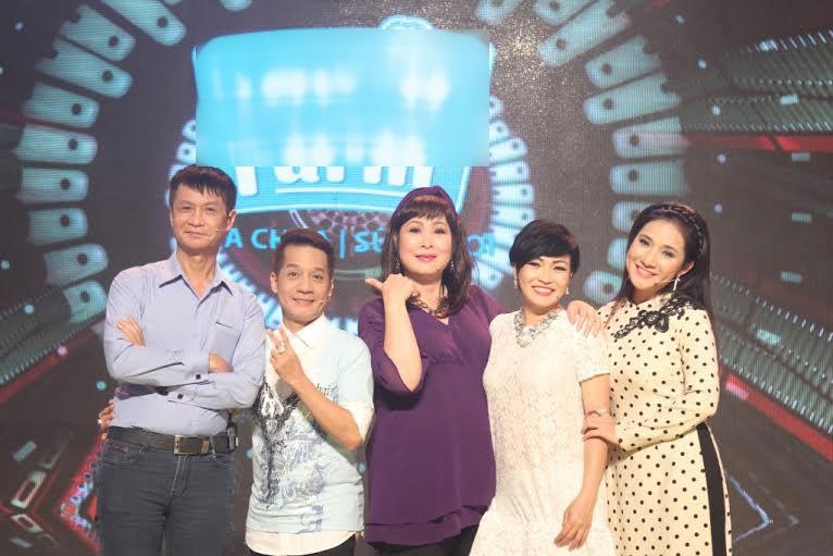 Quyền Linh - Minh Nhí xúc động ôn lại kỷ niệm khi xem thí sinh tấu hài
