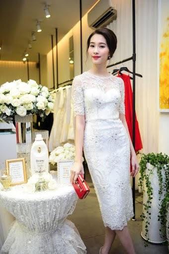 Đặng Thu Thảo đọ sắc với các người đẹp trong dạ tiệc của Lê Thanh Hòa