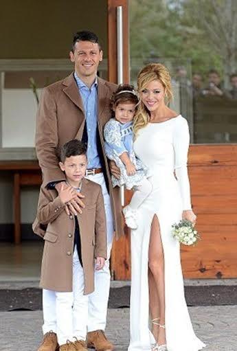 Gia đình hạnh phúc của cầu thủ Man City