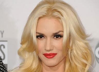 Gwen trẻ trung như chỉ mới 30 dù đã 45 tuổi