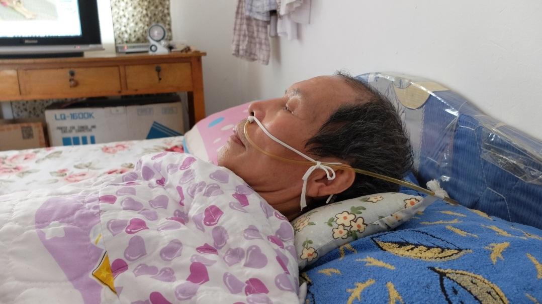 Ông Trần nằm liệt giường vì bệnh hiểm nghèo