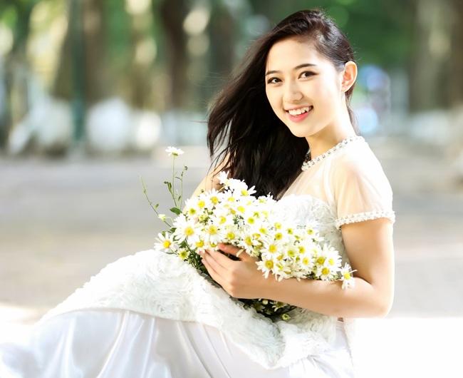 Trước khi yêu Ly Kute, Mạc Hồng Quân từng có một thời gian gắn bó với hotgirl Hà thành Trang Cherry