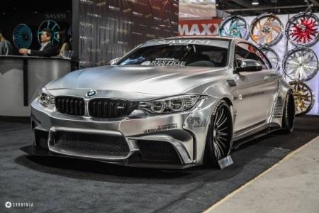 BMW M4 Coupe của nhà độ Liberty Walk với bộ vành Savini (Ảnh: CarNinja)
