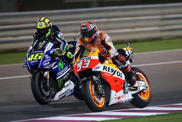 Valentino Rossi để tuột chiến thắng vào tay Marc Marquez với 0,259 giây nhiều hơn