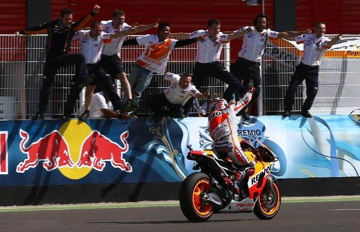 Marquez dành chiến thắng thứ 3 liên tiếp
