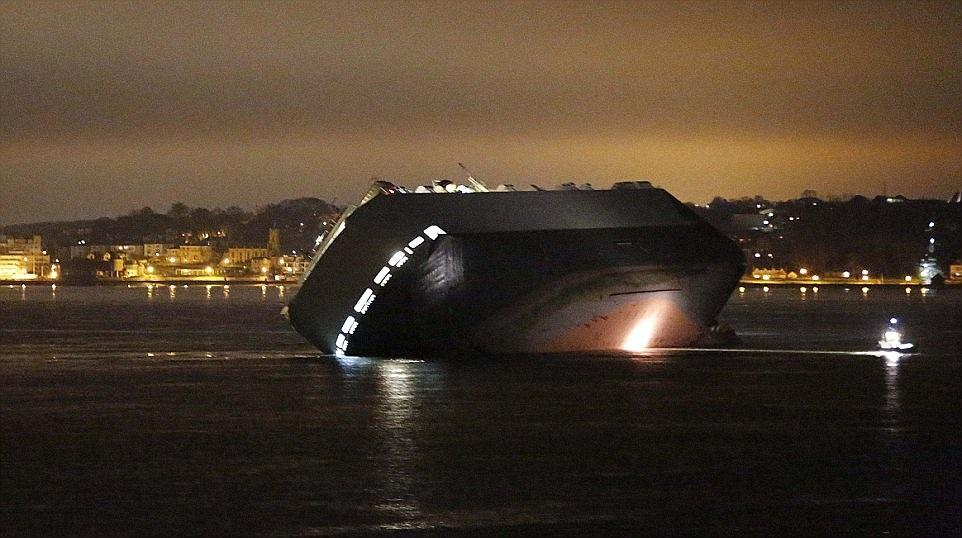 Chuyến hàng trên chiếc tàu mắc cạn được định giá khoảng 30 triệu bảng Anh