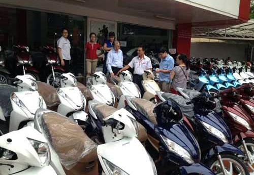 Những ngày giáp Tết Ất Mùi, thị trường xe máy trở nên sôi động