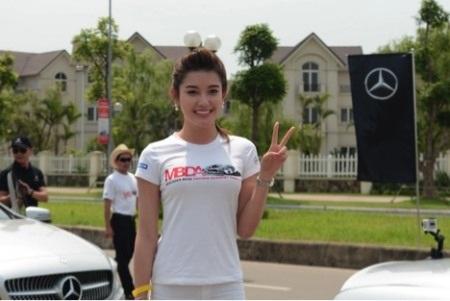 """Ông Dirk Adelmann, Giám đốc Kinh doanh và Tiếp thị Mercedes-Benz Việt Nam chia sẻ: """""""