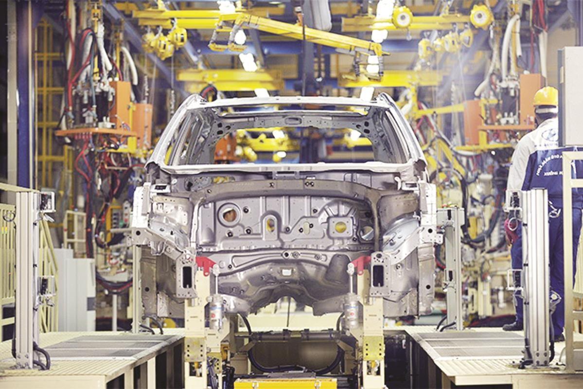 Sản xuất, lắp ráp ô tô tại nhà máy của Huyndai Thành Công. (Ảnh: H.Phương)