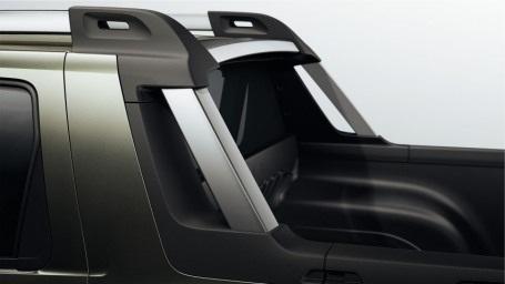 Xe được trang bị động cơ xăng 4 xy-lanh, dung tích 1.6L và 2.0L.