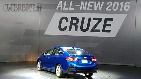 Xem thêm thông tin giới thiệu và hình ảnh xe Cruze thế hệ mới