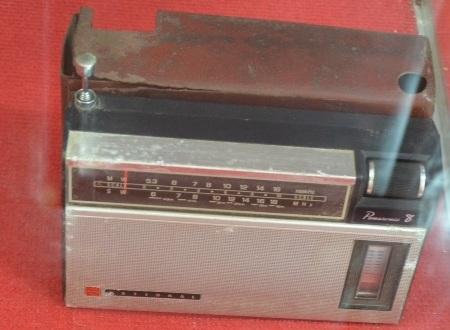 Chiếc radio của ông Bùi Thanh Hồng thuộc Ban Giao vận huyện Mộ Đức.