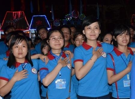 Tuổi trẻ Quảng Ngãi cùng hát bài ca sinh nhật Đoàn TNCS Hồ Chí Minh.