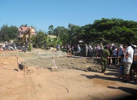 Vị trí nam thanh niên bị nạn và tử vong trong đêm dưới hố công trình.