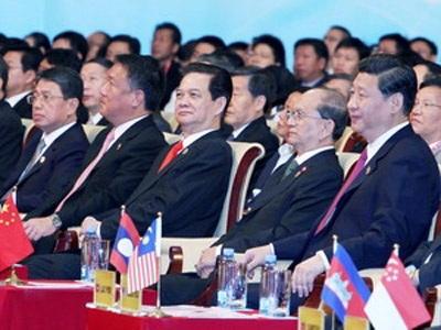 Thủ tướng kết thúc dự hội chợ ASEAN-Trung Quốc
