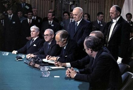 Đường đi đến bàn đàm phán Paris (Bài 2)