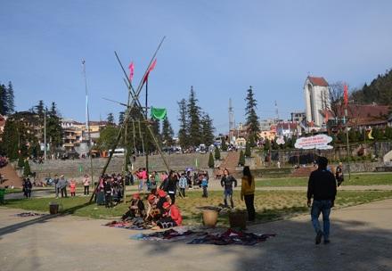 Quang cảnh sân quần Sa Pa, nơi được nhiều du khách tham quan