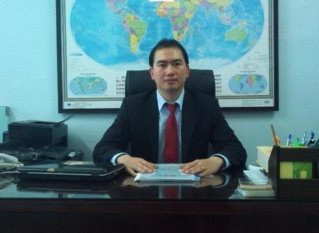 Luật sư Trương Anh tú đang trả lời phỏng vấn báo Dân trí