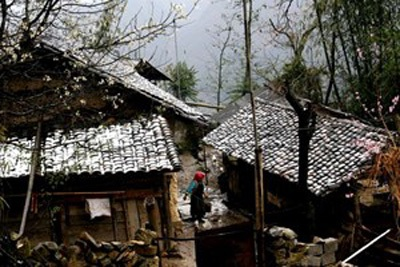 Nhà ở Cao nguyên đá Đồng Văn đã nhiều lần phủ trắng tuyết. (Ảnh: Minh Tâm/TTXVN)