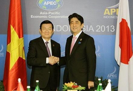 Chủ tịch nước Trương Tấn Sang và Thủ tướng Nhật Bản Shinzo Abe (Nguồn: TTXVN)