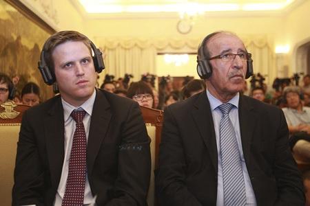 Đông đảo các phóng viên trong và ngoài nước tham dự cuộc họp báo (Ảnh: Hữu Nghị)
