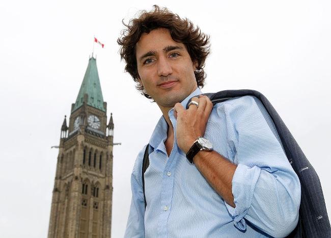 Ông Trudeau nổi tiếng với vẻ ngoài lãng tử như ngôi sao điện ảnh (Ảnh: Toronto Sun)