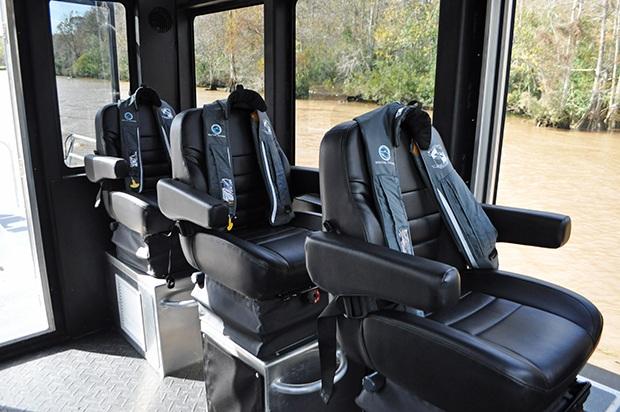Tàu có thể trang bị 6 ghế đơn hoặc gắn những ghế băng dài. (Ảnh: Metal Shark)