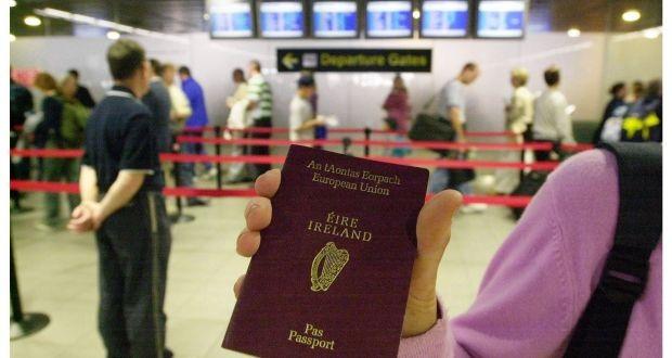 Nhiều người Anh đang muốn sở hữu hộ chiếu Ireland. (Ảnh: Irish Times)