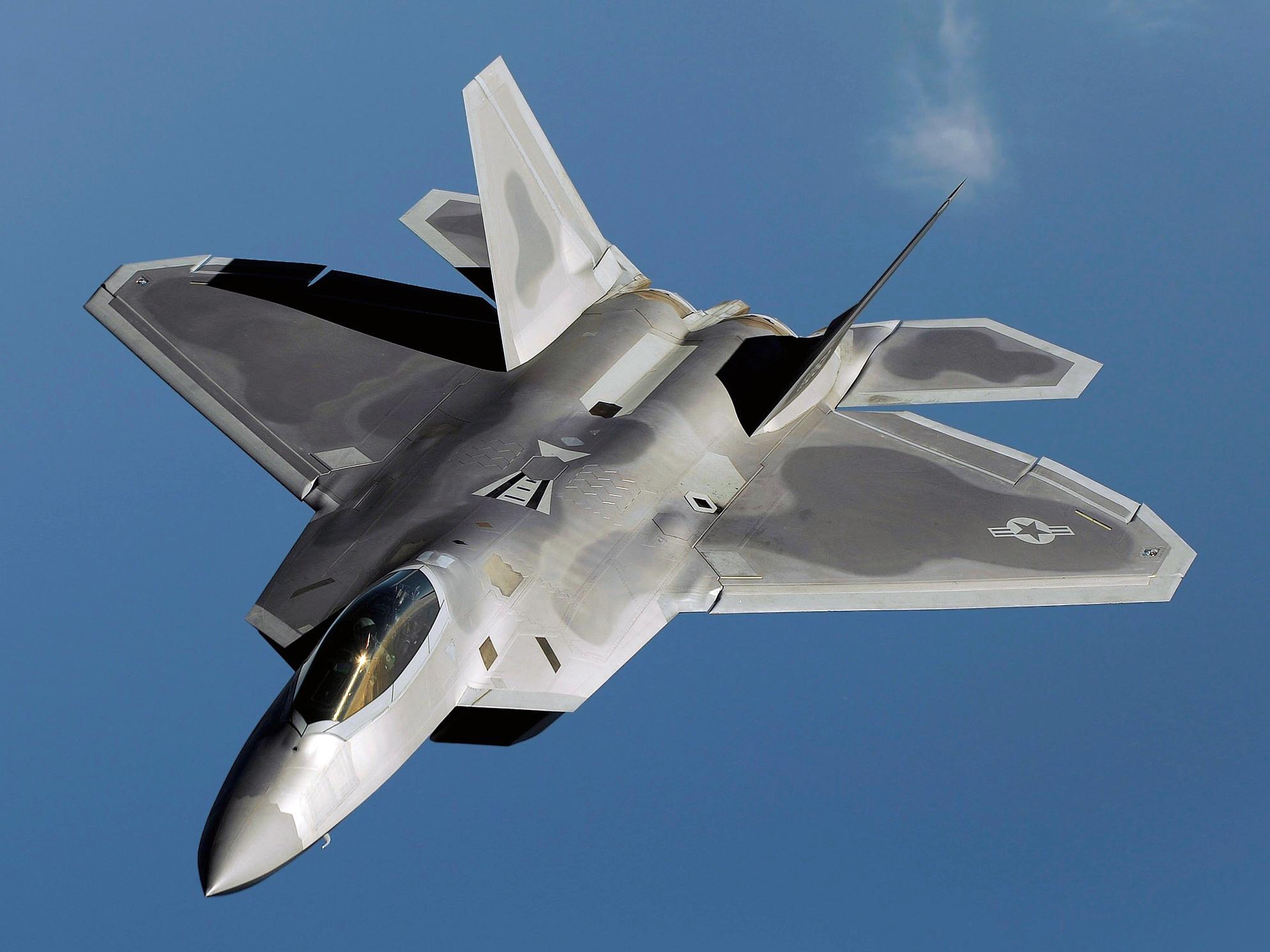 Một máy bay chiến đấu tàng hình F-22 (Ảnh minh họa: wikipedia)