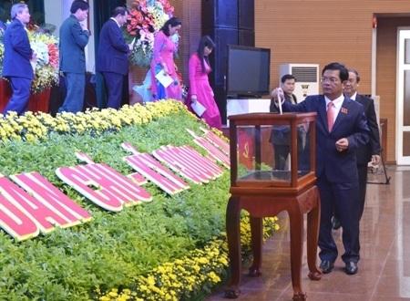 Ông Lê Viết Chữ tái đắc cử chức danh Bí thư Tỉnh ủy Quảng Ngãi.