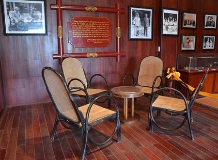 Bàn tròn - ghế mây được Thủ tướng Phạm Văn Đồng sử dụng từ những năm 1980.