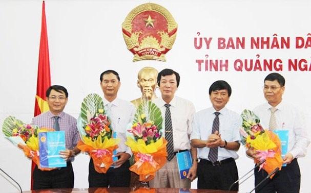 Chủ tịch UBND tỉnh trao quyết định bổ nhiệm 4 Giám đốc Sở.