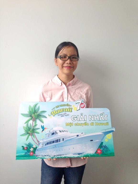 """Tống Thị Mỹ Lệ (25 tuổi, Hồ Chí Minh) là một trong những chủ nhân may mắn """"hốt cú chót"""" cho những ngày hè rực rỡ cùng chương trình khuyến mãi của 7Up tại Hawaii. Còn bạn thì sao?"""